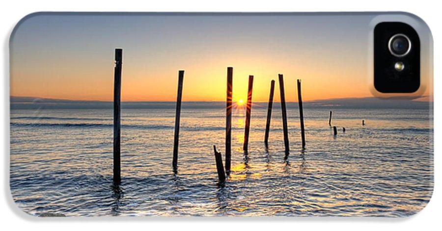 Michaelversprill.com IPhone 5 Case featuring the photograph Horizon Sunburst by Michael Ver Sprill