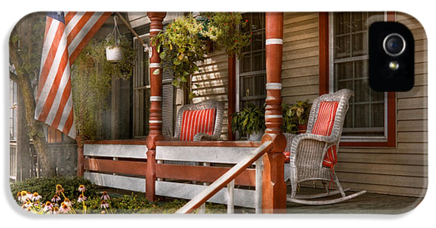 Porch IPhone 5 Case featuring the photograph House - Porch - Traditional American by Mike Savad