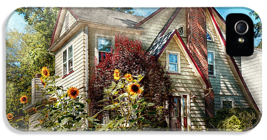 House IPhone 5 / 5s Case featuring the photograph House - Westfield Nj - The Summer Retreat by Mike Savad