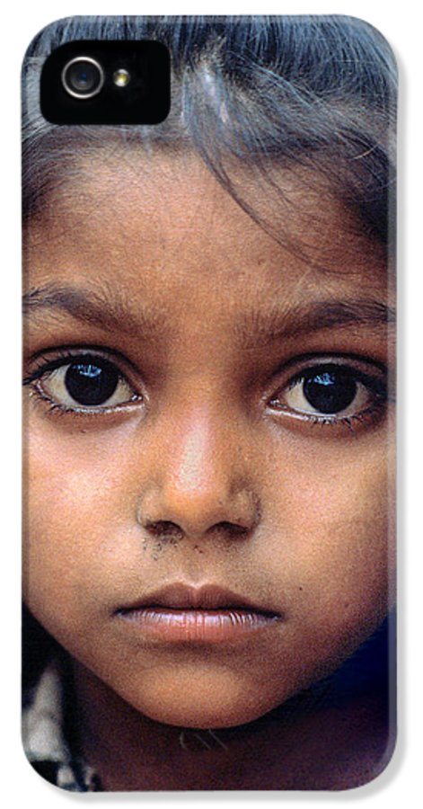 Girl IPhone 5 Case featuring the photograph India Girl Eyes by Wernher Krutein