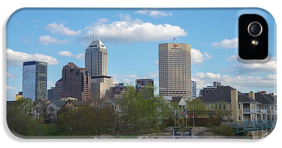 Indy 500 IPhone 5 Case featuring the photograph Indianapolis Skyline Blue 2 by David Haskett