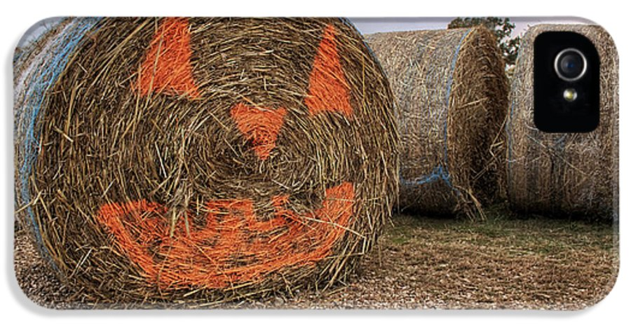 Halloween IPhone 5 Case featuring the photograph Jack-o-lantern Hayroll by Jason Politte