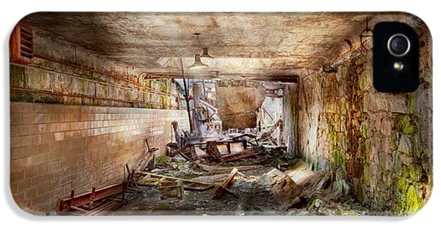 Jail IPhone 5 Case featuring the photograph Jail - Eastern State Penitentiary - The Mess Hall by Mike Savad