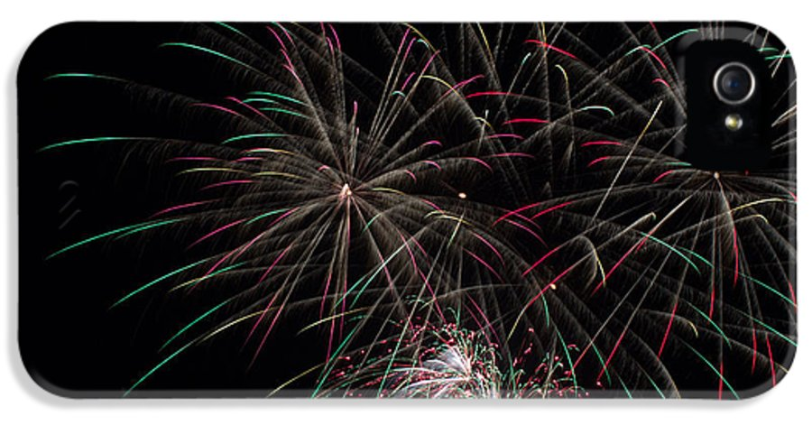 Fireworks IPhone 5 Case featuring the photograph July 4th 2014 138 by Chad Rowe