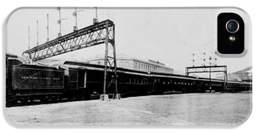 Knickerbocker IPhone 5 Case featuring the digital art Knickerbocker Special Leaving St. Louis Union Station by Georgia Fowler