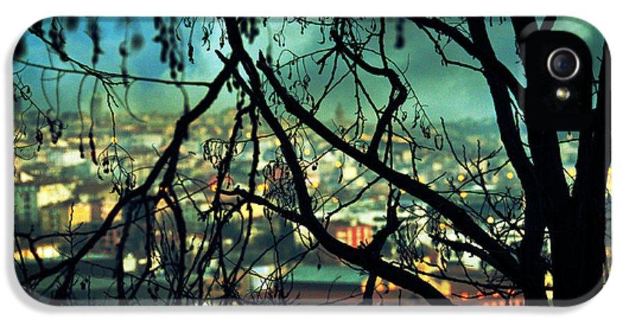 City Lights IPhone 5 Case featuring the photograph La Perte by Taylan Apukovska