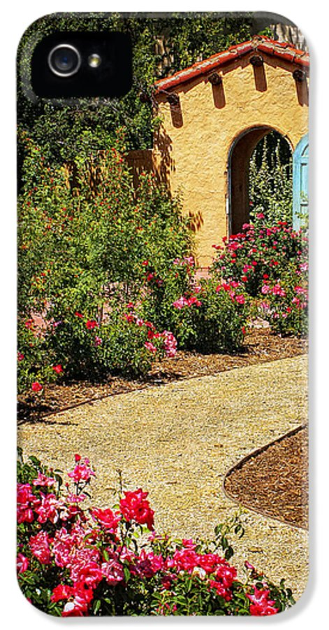 La Posada IPhone 5 / 5s Case featuring the photograph La Posada Gardens In Winslow Arizona by Priscilla Burgers