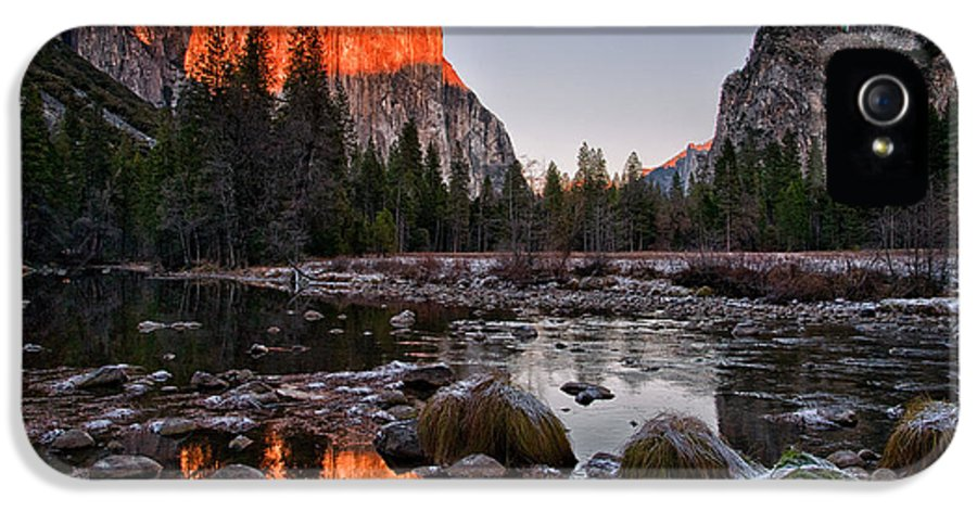 River IPhone 5 Case featuring the photograph Last Light At Valley View by Cat Connor