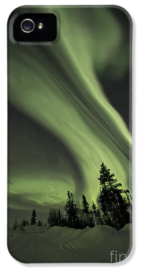 Aurora Borealis IPhone 5 Case featuring the photograph Light Swirls Over The Midnight Dome by Priska Wettstein