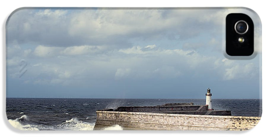 Lighthouse IPhone 5 Case featuring the photograph Lighthouse At Whitehaven by Amanda Elwell