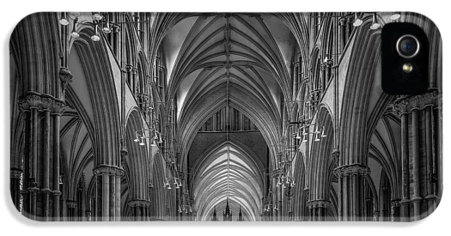 Lincoln Cathedral IPhone 5 Case featuring the photograph Lincoln Cathedral Nave by Ian Barber