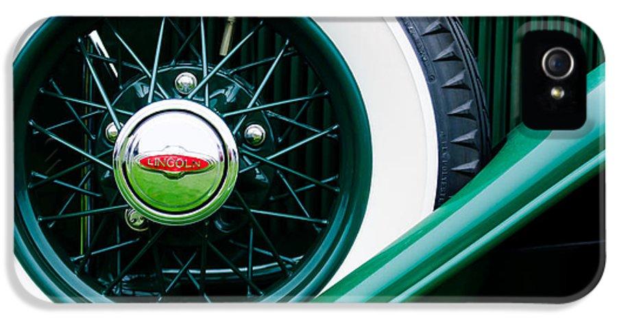Lincoln Spare Tire Emblem IPhone 5 Case featuring the photograph Lincoln Spare Tire Emblem by Jill Reger