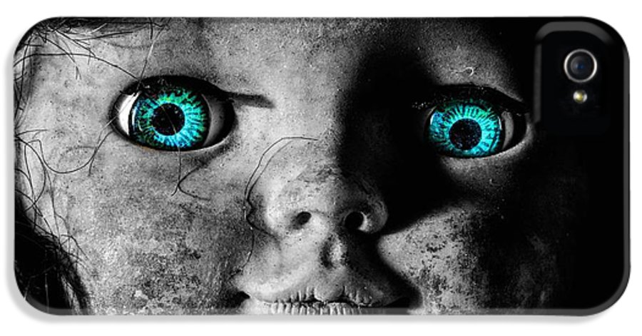 Creepy Dolls IPhone 5 / 5s Case featuring the photograph Looking At You Kid by JC Findley