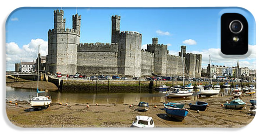 Dingy IPhone 5 Case featuring the photograph Low Tide At Caernarfon by Jane Rix