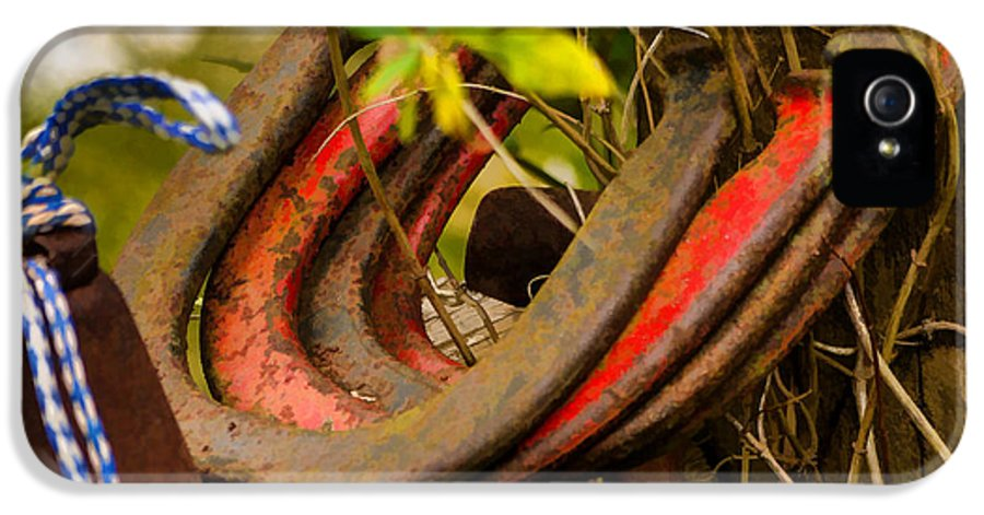 Rusty IPhone 5 Case featuring the photograph Lucky Horseshoes by Jordan Blackstone