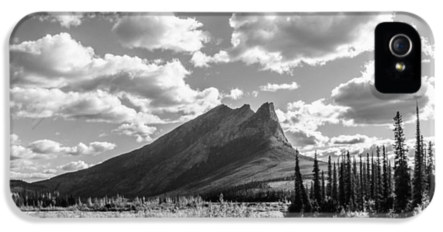 Landscape IPhone 5 Case featuring the photograph Majestic Drive by Chad Dutson