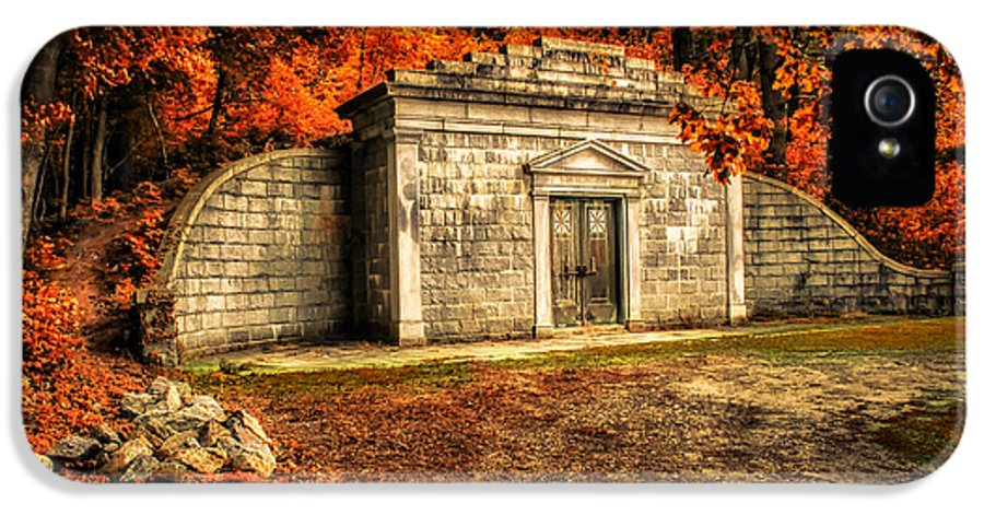 Mausoleum IPhone 5 Case featuring the photograph Mausoleum by Bob Orsillo