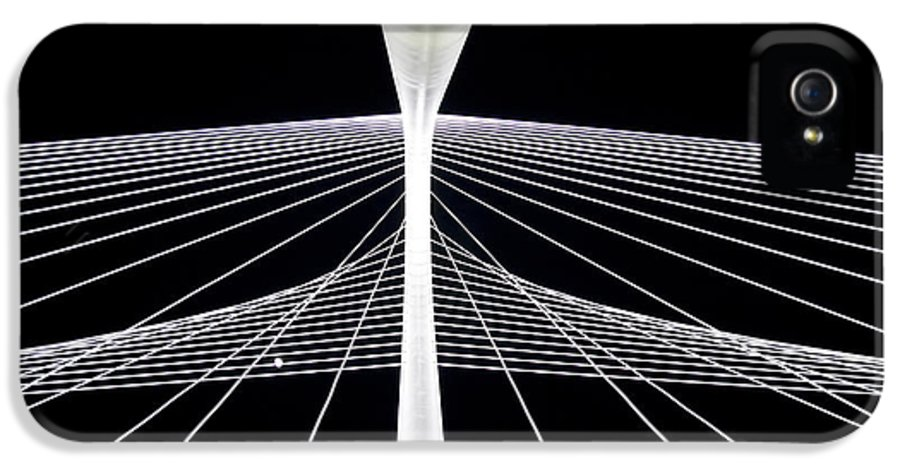 Margaret Hunt Hill Bridge IPhone 5 Case featuring the photograph Mhh Calatrava Bridge by Damon Phillips