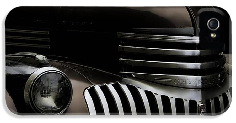 Castle Rock IPhone 5 Case featuring the photograph Midnight Grille by Ken Smith