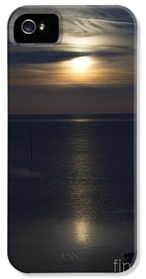 After IPhone 5 Case featuring the photograph Moon Rise by Anne Gilbert