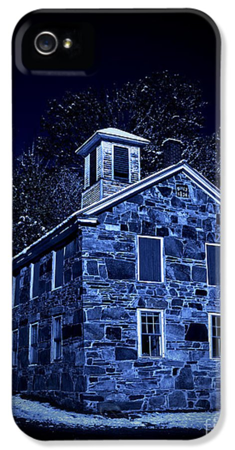 Night IPhone 5 Case featuring the photograph Moonlight On The Old Stone Building by Edward Fielding