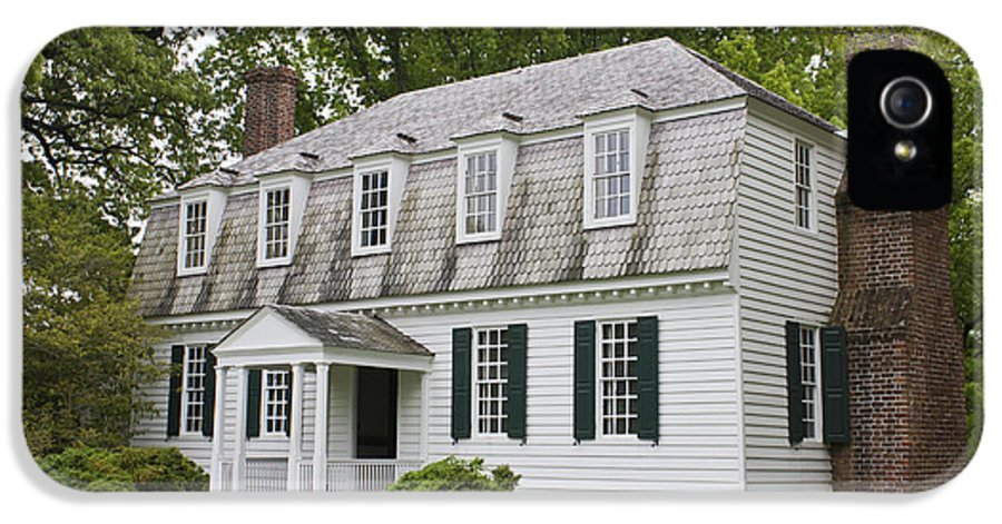 Yorktown IPhone 5 Case featuring the photograph Moore House Yorktown by Teresa Mucha