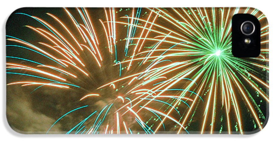 Night IPhone 5 Case featuring the photograph 4th Of July Fireworks 2 by Howard Tenke