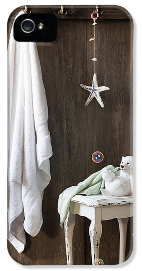 Bathroom IPhone 5 Case featuring the photograph Nautical Bathroom by Amanda Elwell