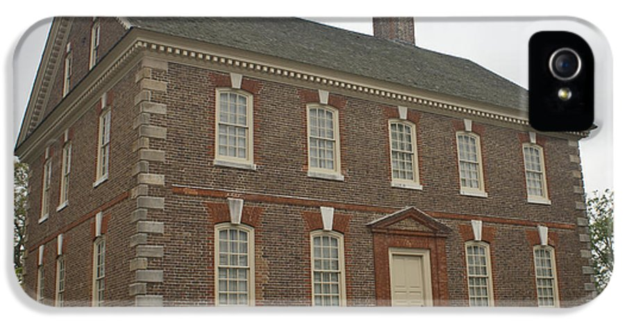 Yorktown IPhone 5 Case featuring the photograph Nelson House Yorktown by Teresa Mucha