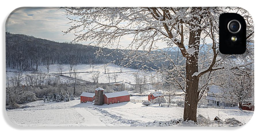 Barns IPhone 5 Case featuring the photograph New England Winter Farms Morning by Bill Wakeley