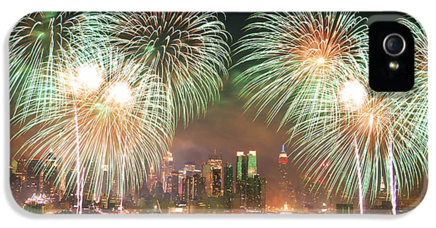 New York City IPhone 5 Case featuring the photograph New York City Fireworks by Songquan Deng