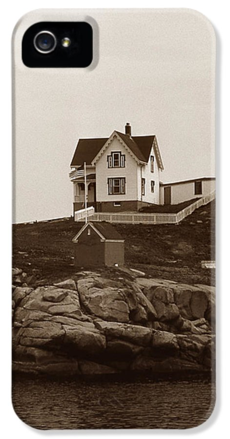 Lighthouses IPhone 5 Case featuring the photograph Nubble Light by Skip Willits
