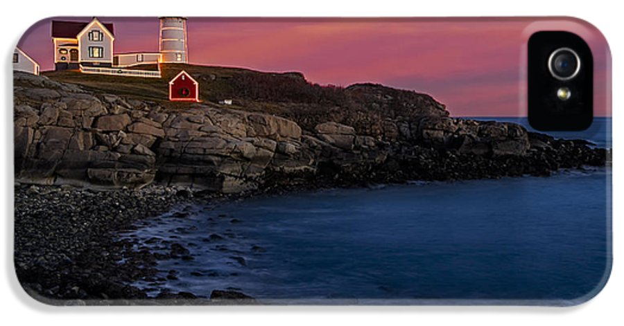 Nubble Lighthouse IPhone 5 Case featuring the photograph Nubble Lighthouse At Sunset by Susan Candelario