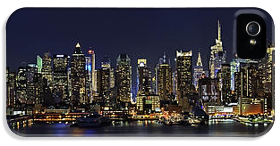 New York City Skyline Pano IPhone 5 Case featuring the photograph Nyc Skyline Full Moon Panorama by Susan Candelario