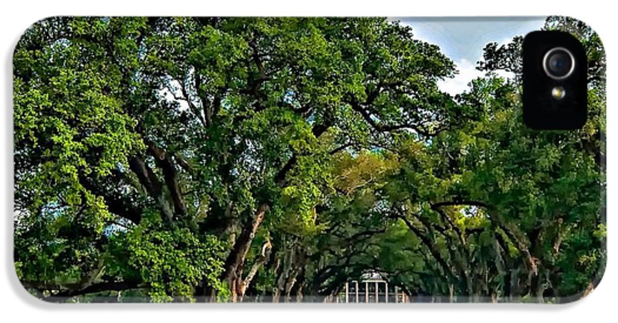 Oak Alley Plantation IPhone 5 Case featuring the photograph Oak Alley Plantation 2 by Steve Harrington