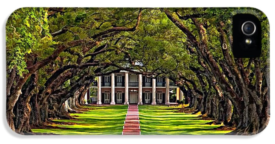 Oak Alley Plantation IPhone 5 Case featuring the photograph Oak Alley by Steve Harrington