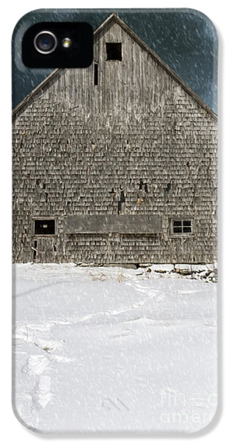 Old Barn IPhone 5 Case featuring the photograph Old Barn In A Snow Storm by Edward Fielding