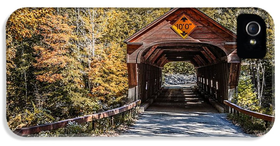 Vermont IPhone 5 Case featuring the photograph Old Covered Bridge Vermont by Edward Fielding