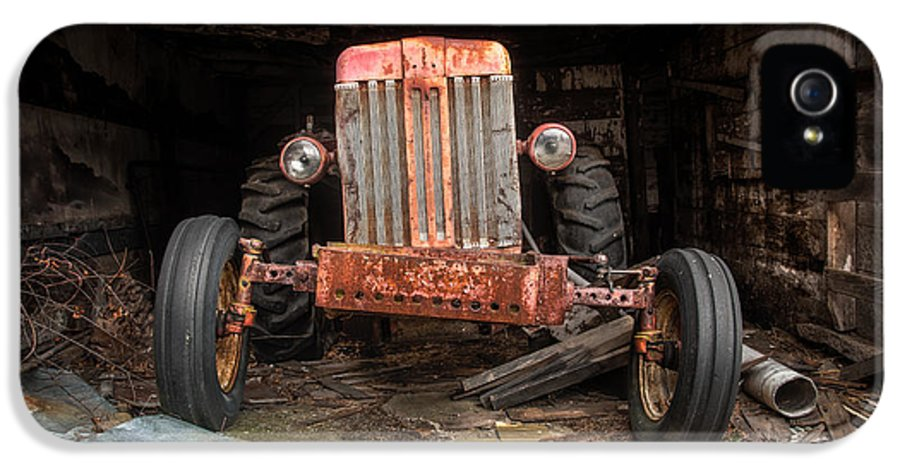 Tractor IPhone 5 Case featuring the photograph Old Tractor Face by Gary Heller