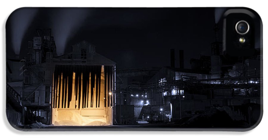 Architecture IPhone 5 Case featuring the photograph One Two Freddy's Coming For You by Juli Scalzi
