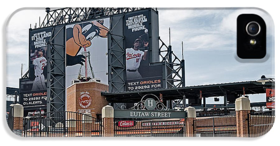 Baltimore IPhone 5 Case featuring the photograph Oriole Park At Camden Yards by Susan Candelario