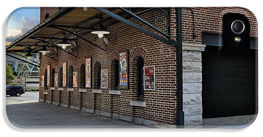 Baltimore IPhone 5 Case featuring the photograph Oriole Park Box Office by Susan Candelario