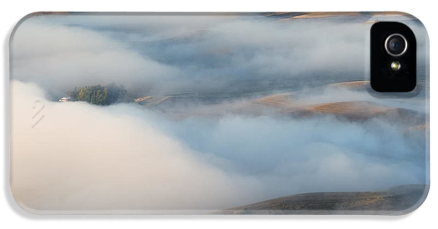 Palouse IPhone 5 Case featuring the photograph Palouse Morning Mist by Mike Dawson