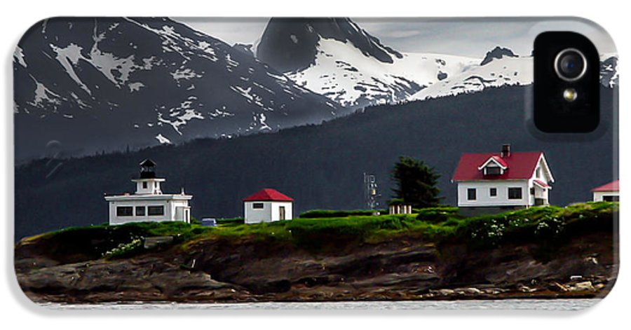 Alaska IPhone 5 Case featuring the photograph Point Retreat by Robert Bales