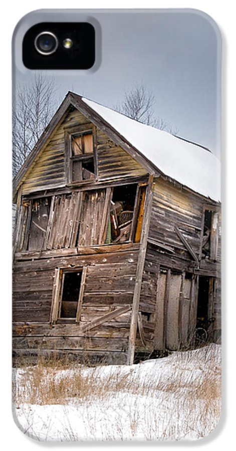 Abandoned Buildings IPhone 5 Case featuring the photograph Portrait Of An Old Shack - Agriculural Buildings And Barns by Gary Heller