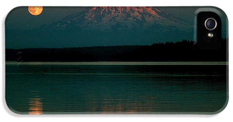 Mount Rainier IPhone 5 / 5s Case featuring the photograph Puget Sound Moonrise by Benjamin Yeager