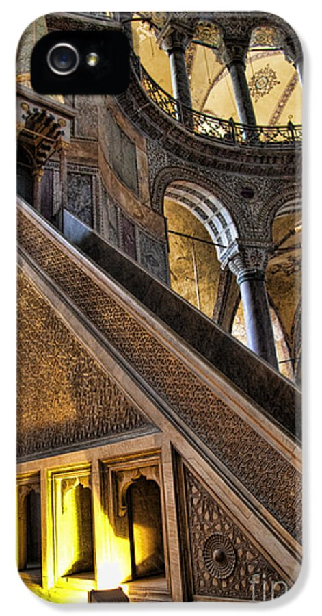 Turkey IPhone 5 / 5s Case featuring the photograph Pulpit In The Aya Sofia Museum In Istanbul by David Smith