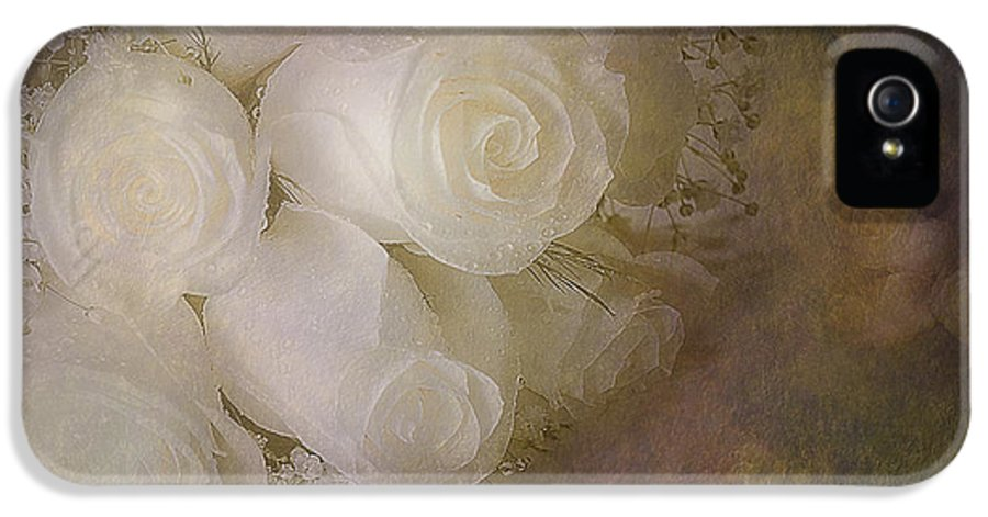 Petals IPhone 5 Case featuring the photograph Pure Roses by Susan Candelario