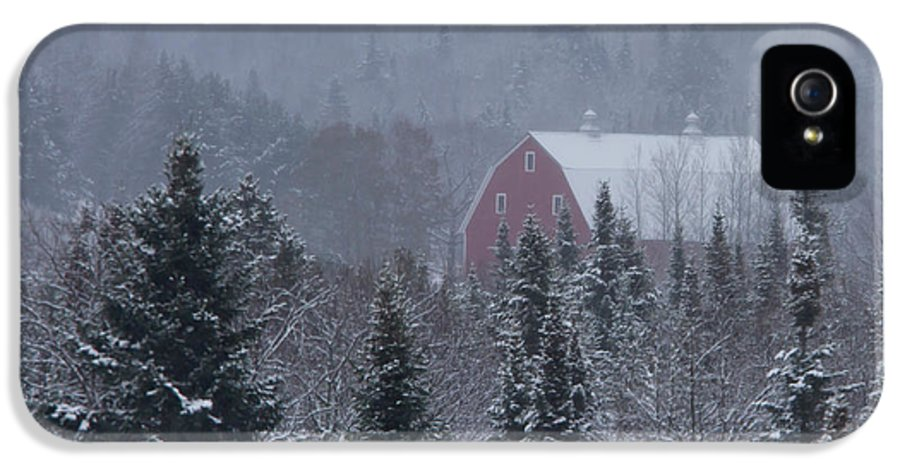 Barn IPhone 5 Case featuring the photograph Red Barn In Maine by Jack Zievis