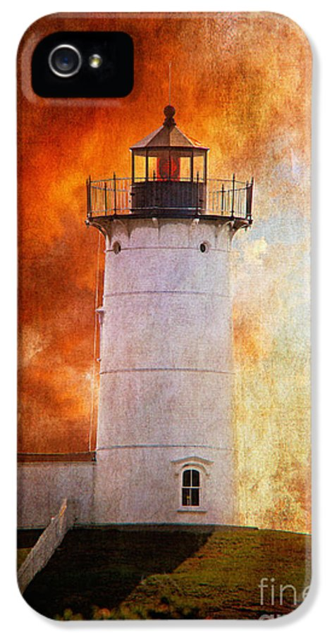Lighthouse IPhone 5 Case featuring the photograph Red Sky At Morning - Nubble Lighthouse by Lois Bryan